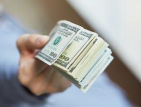 Соблюдая правила фондового рынка, трейдер может рассчитывать на получение стабильной прибыли.