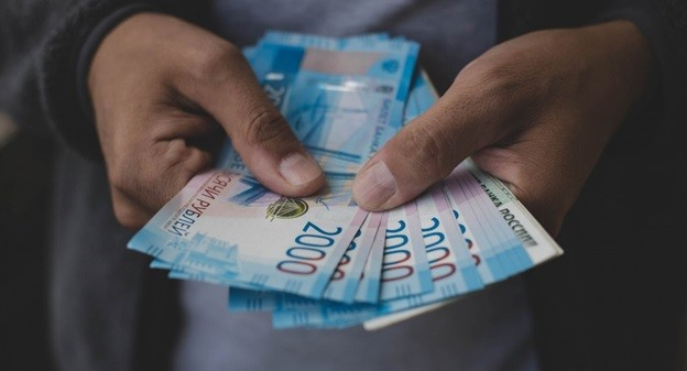 В современном мире каждый должен понимать как проверить деньги
