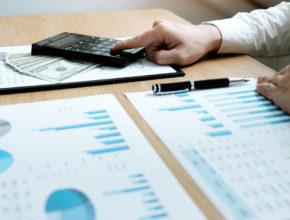 Сложная экономическая ситуация негативно влияет на прибыльность капиталовложений, в связи с чем некоторые способы инвестиций теряют свою привлекательность.